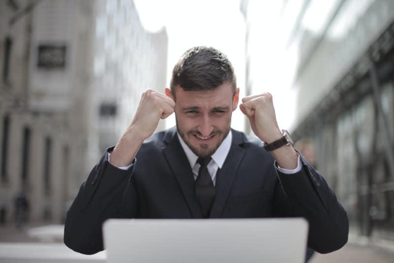 entrepreneur problème informatique réseaux sociaux bureautique matériel informatique résolus